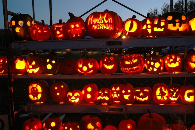 Decorating Ideas > Jack O Lantern Days Comes To Fish Creek October 2528! ~ 010545_Halloween Events Door County